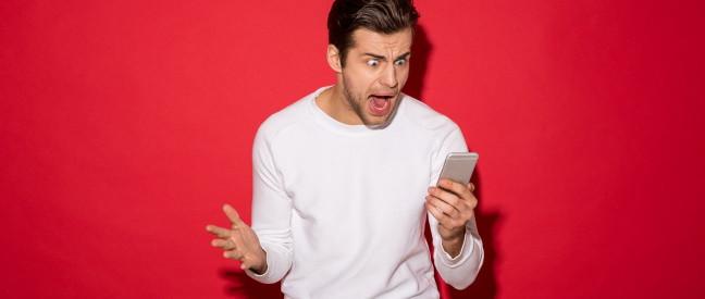 Verärgerter Handy-Nutzer will Tinder löschen