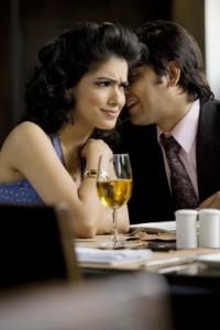 Sexuelle Anspielungen machen: Zweideutige Sprüche beim Flirten